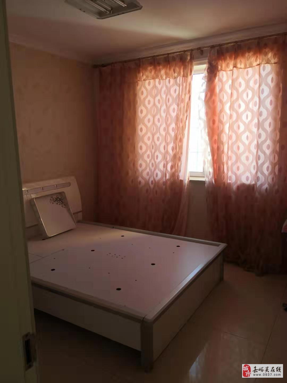 碧水綠洲電梯房3室2廳1衛45萬元