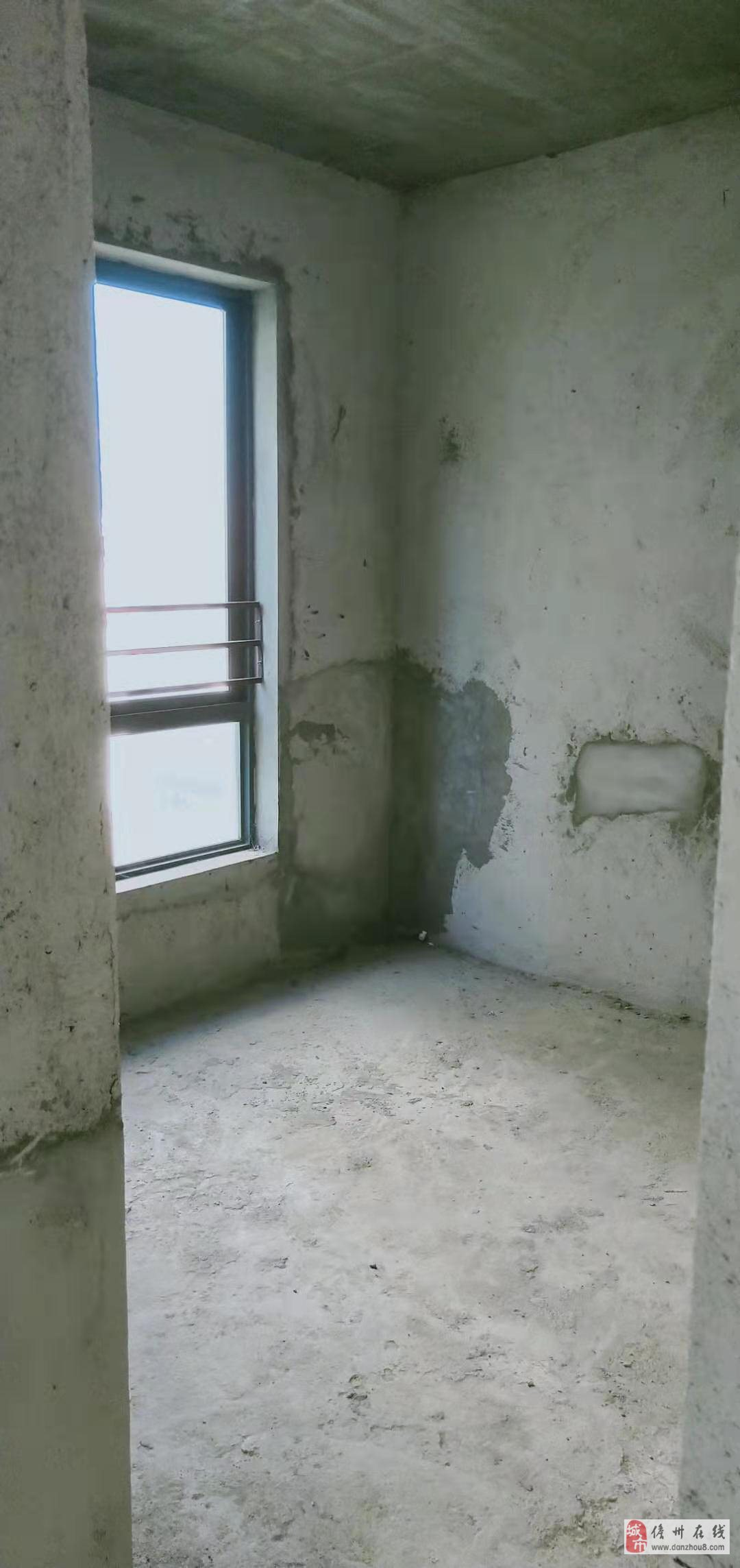 亚澜湾3室2厅2卫80万元满五唯一