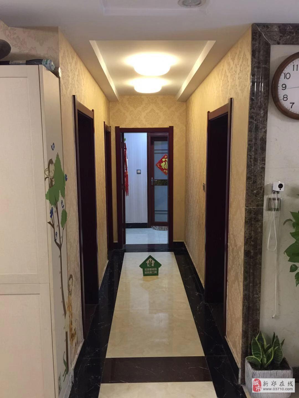 月季新城3室2厅2卫130万元