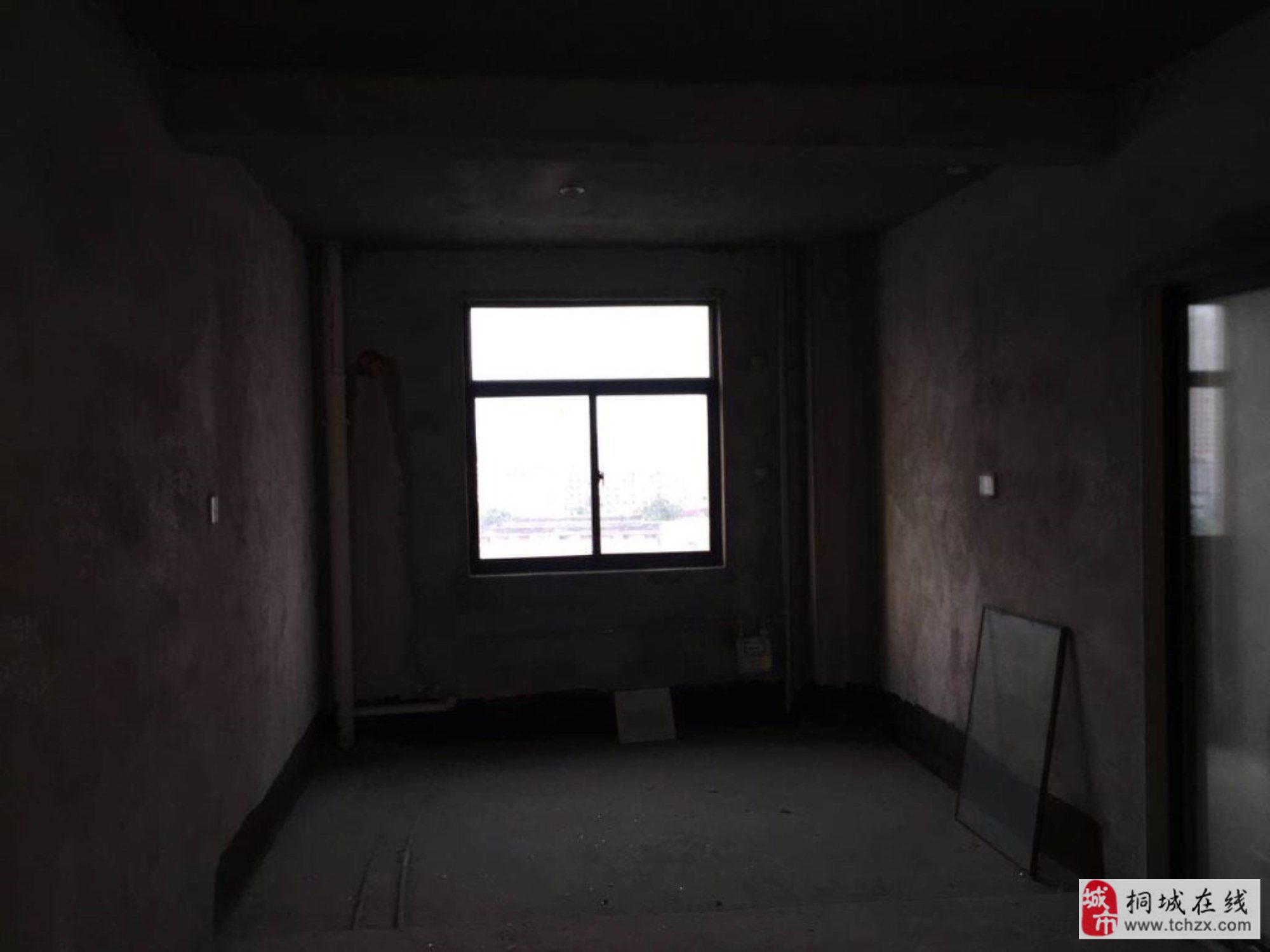 盛运名邸3室2厅2卫93万元