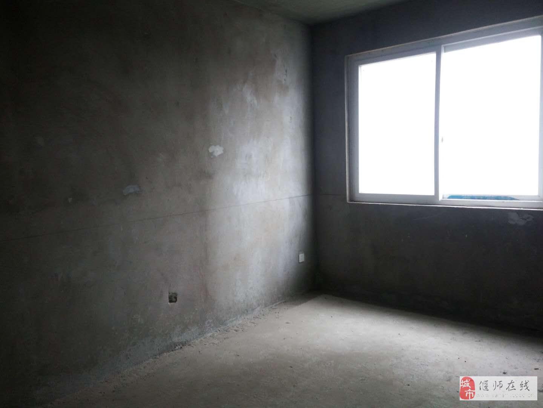 山水人家3室2厅2卫65万元