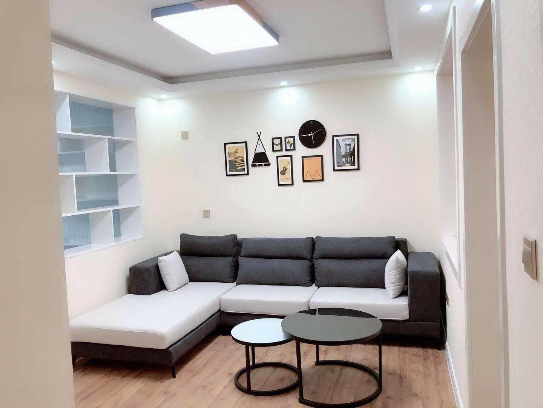 新出房源宝山小区精装未住一楼地暖带20多平小房