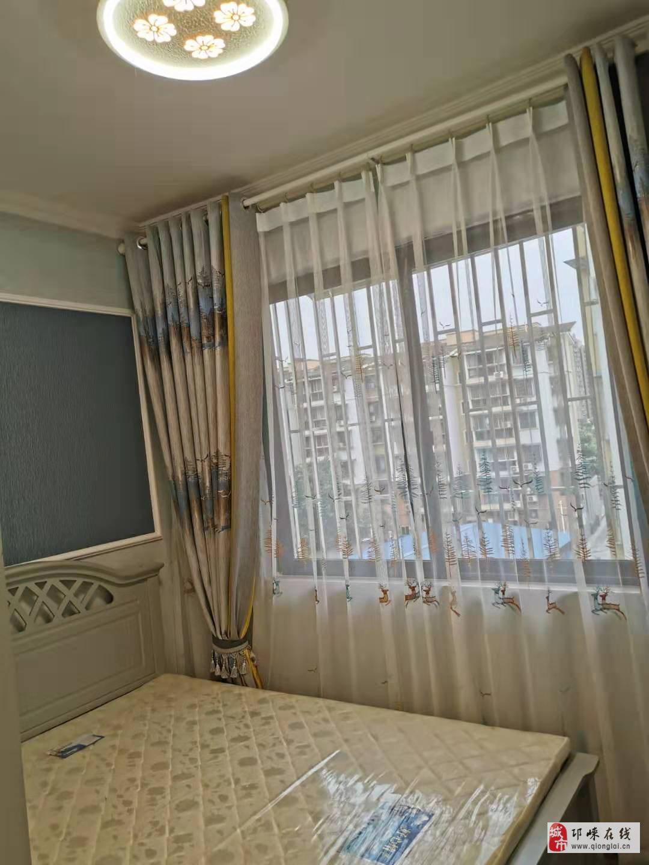 金丰宜居4楼套三精装92平米带家具家电