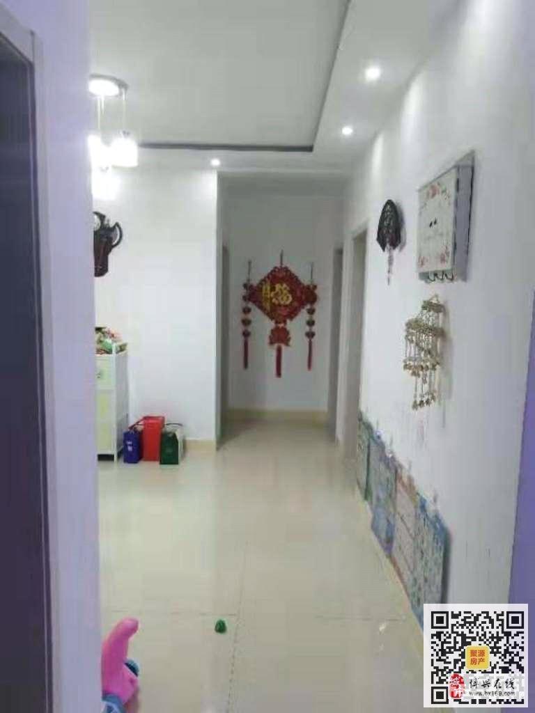 F2073蒲菇小区3室2厅万元