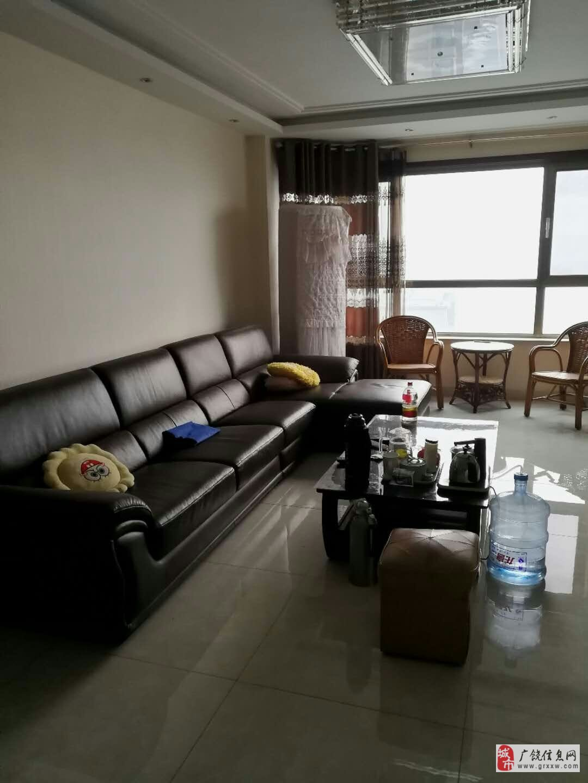 丽景豪庭13楼东户带车位精装3室2厅2卫免税房