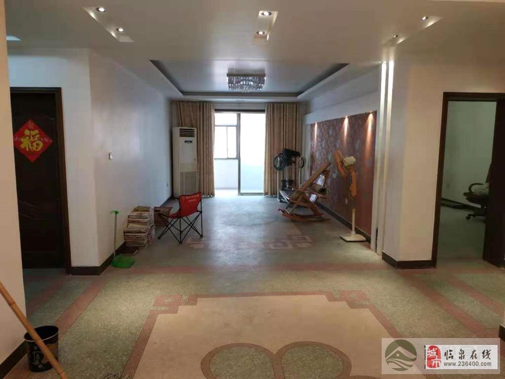 鸿福花园3室2厅1卫75万元