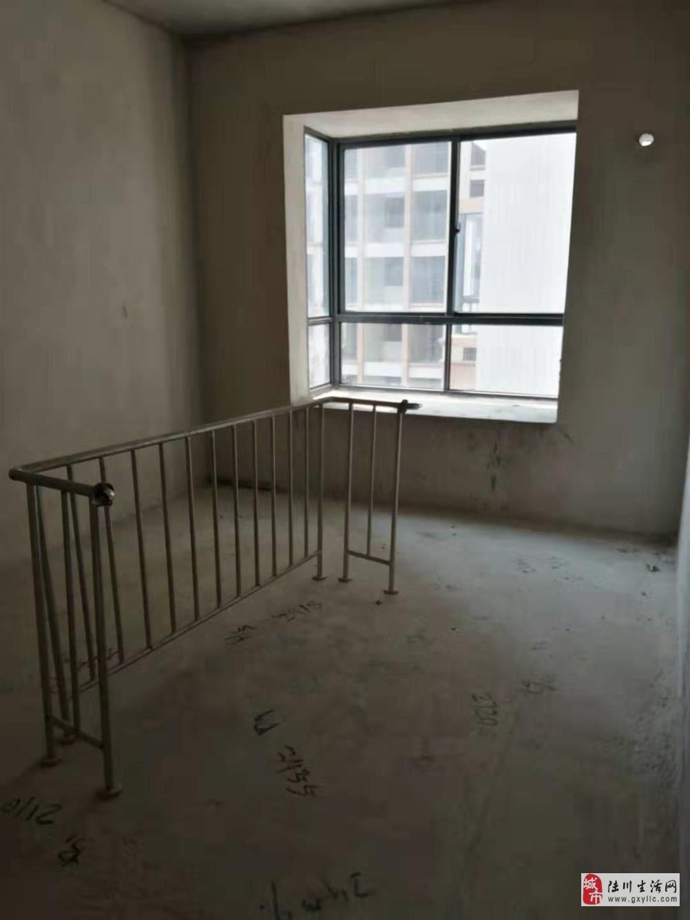 龙福花园4室2厅2卫53万元毛坯抄底价出售钥匙在手