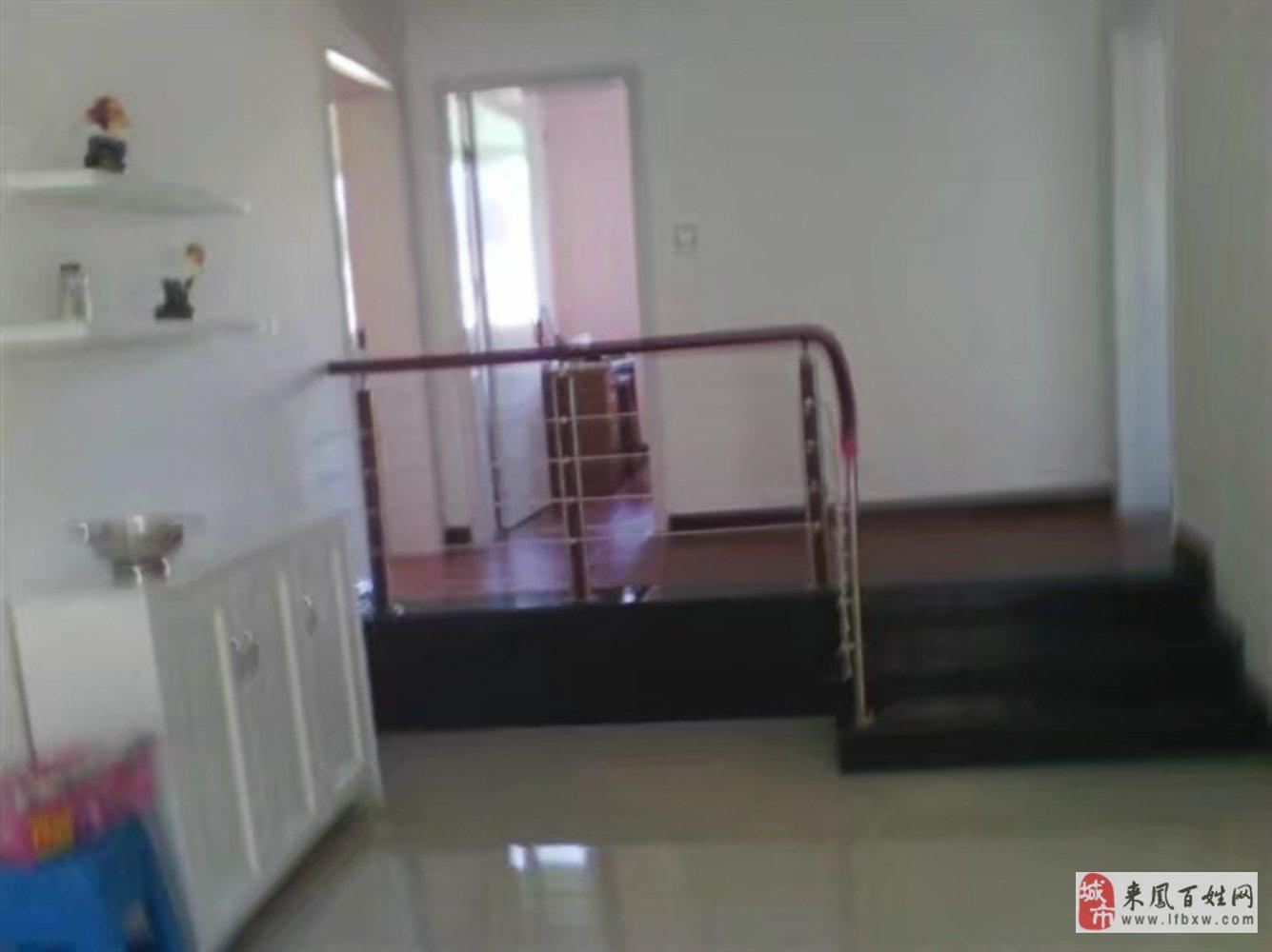 金盆山公寓4室2厅2卫60万元