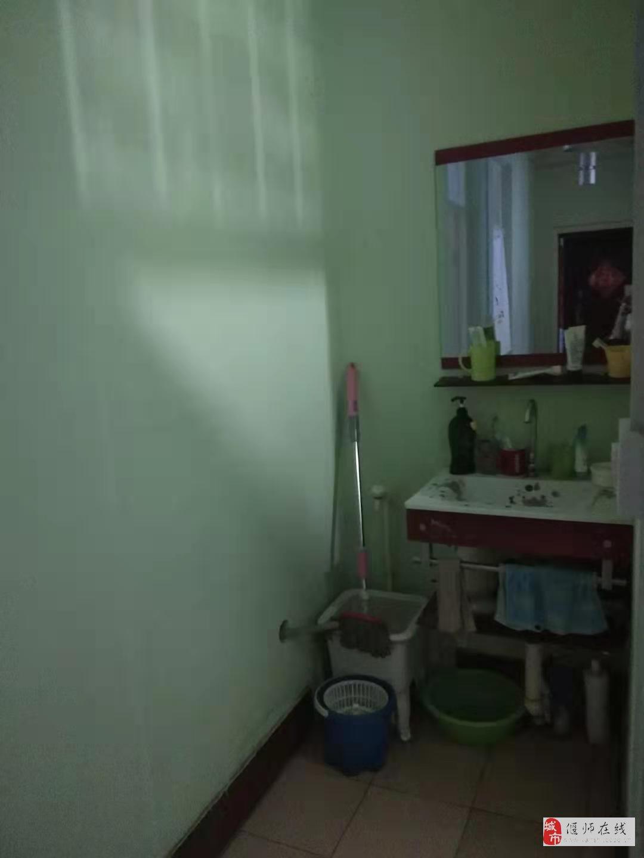 迎宾公寓2室黄金楼层,新装,拎包入住!35万元
