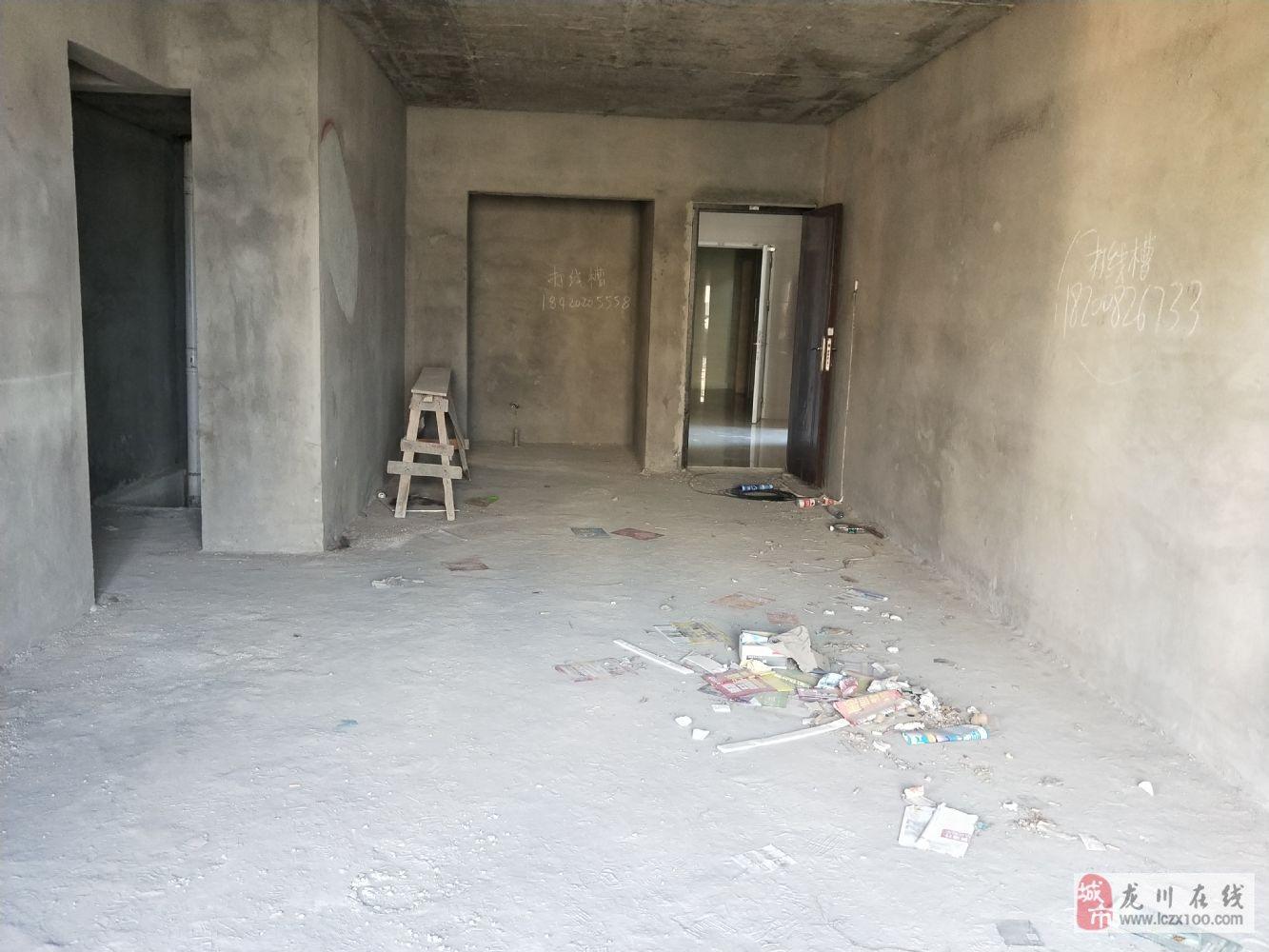 源江豪庭一线江景高层4房证在手满2年售93万