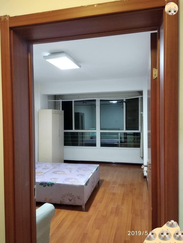 農豐家園3樓三室兩廳一衛帶地下室21平42萬出售