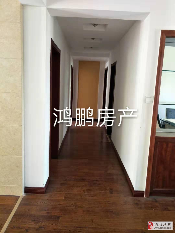 山水龙城3室2厅2卫76万元