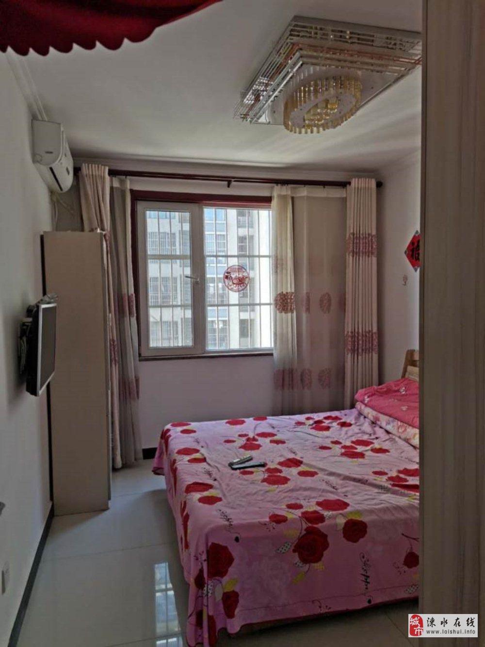 万荣城市华庭精装两居室,有本,全款85万买完即住