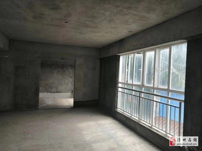 隆华小区4室2厅3卫110万元