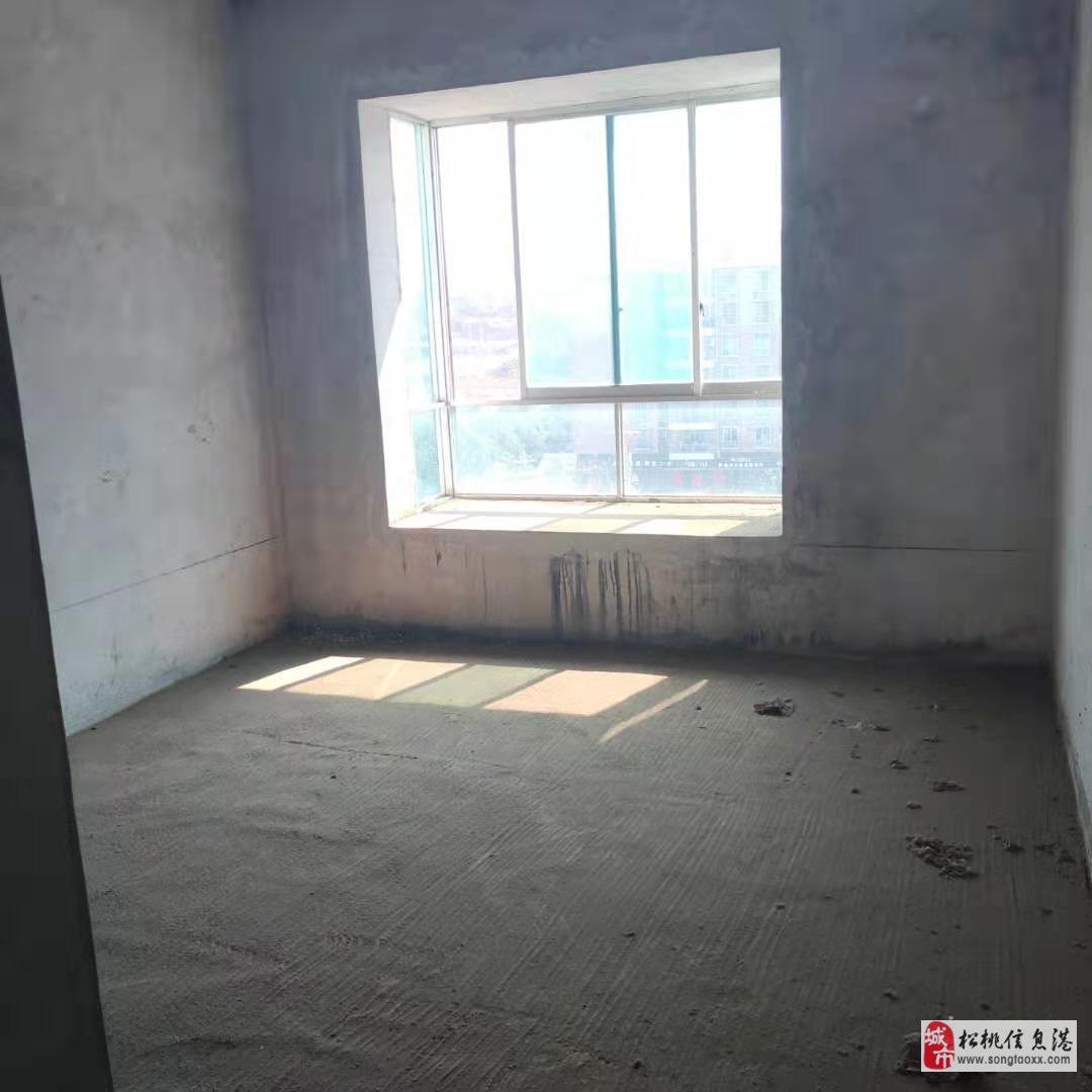 世昌广场3室2厅2卫39.8万元急售