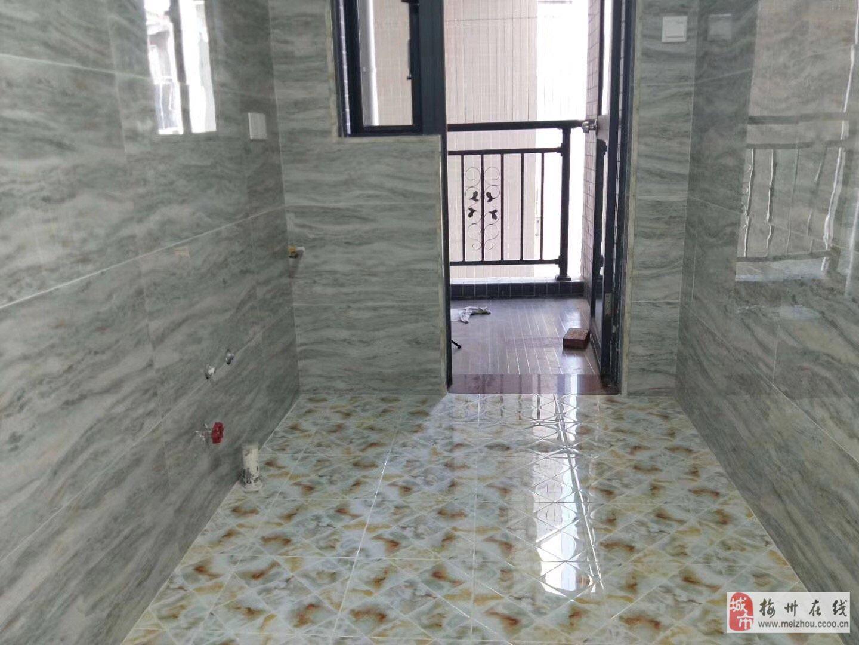 锦发·君城2室2厅2卫66.8万元