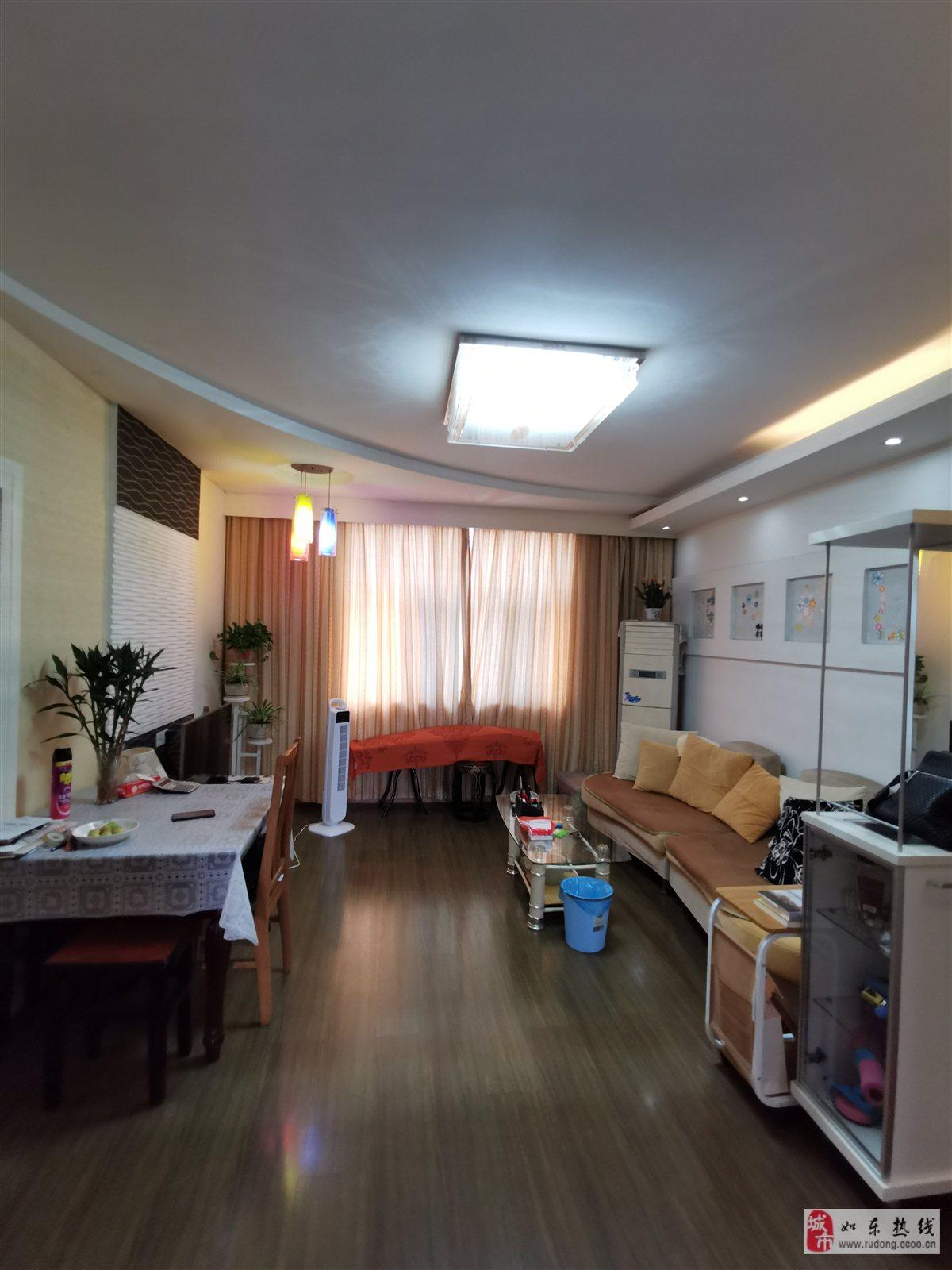 房东授权:日晖小区精装109平米76.8万元