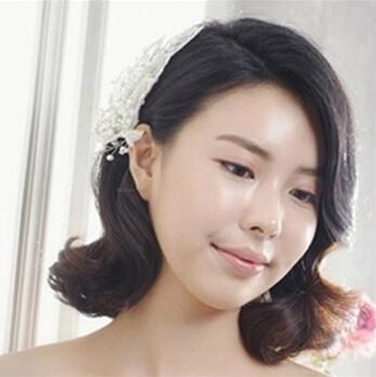 齐肩短发新娘造型 打造优雅气质的新娘