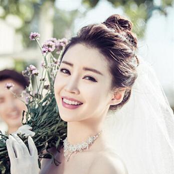 2016年韩式婚纱照新娘造型 流行的新娘发型都在这里