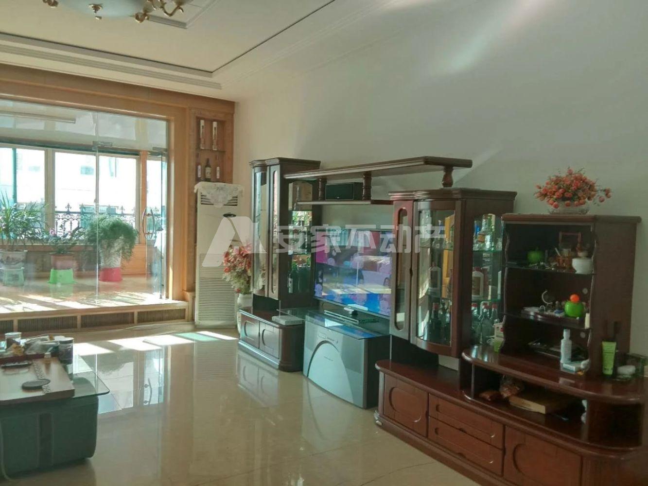 台北花园3室 2厅 2卫68万元