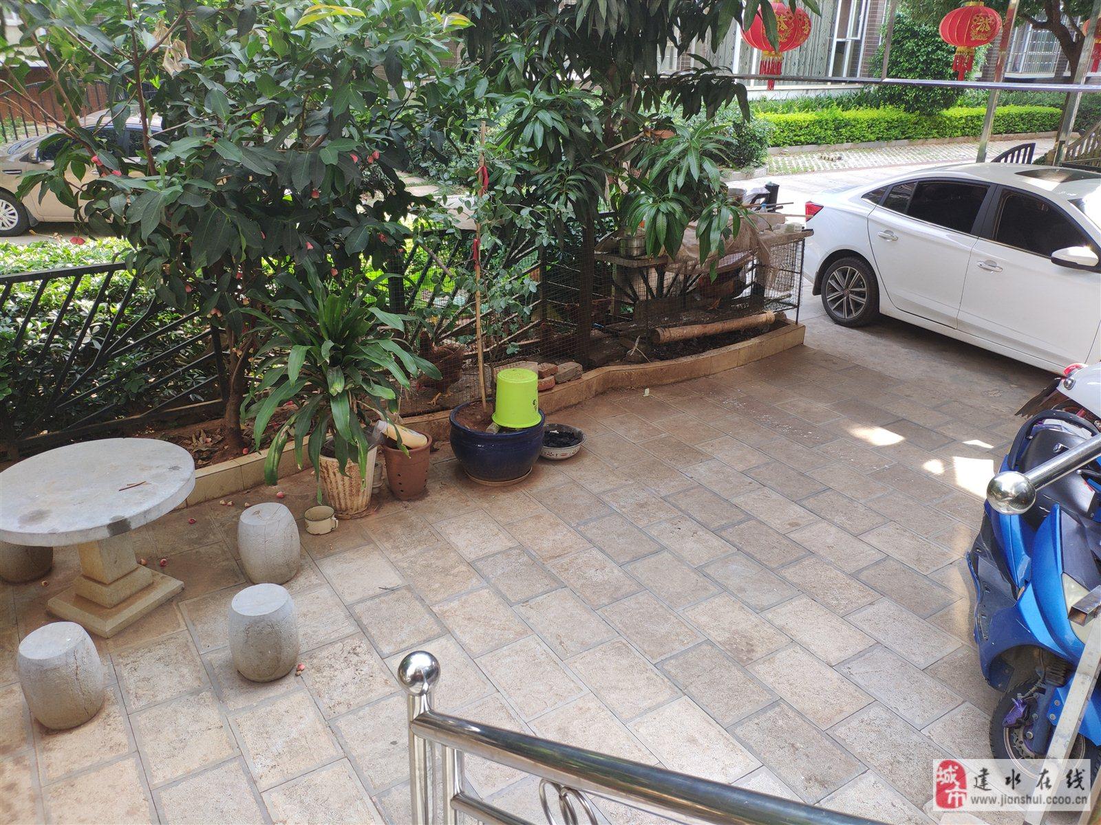建水盛世临安3室2厅2卫一楼带花园130万元 2019-1016