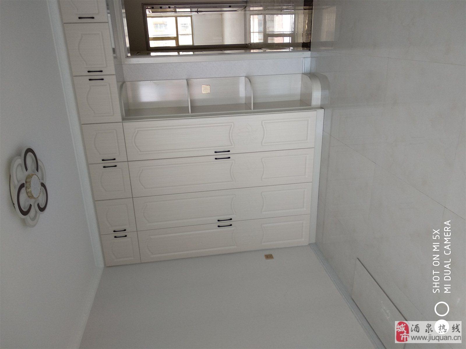 新世紀門口3室 2廳 1衛41.8萬元