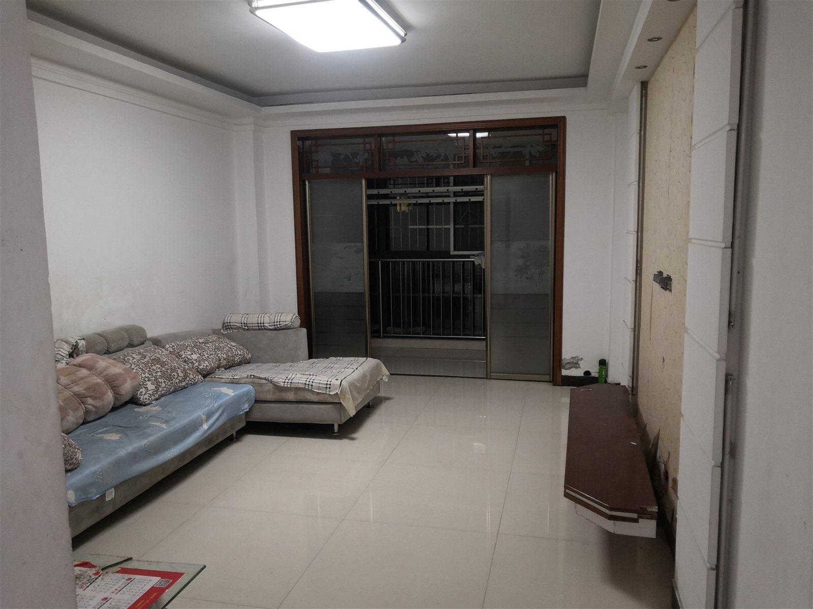 香江名座2室 2厅 1卫43万元精装修