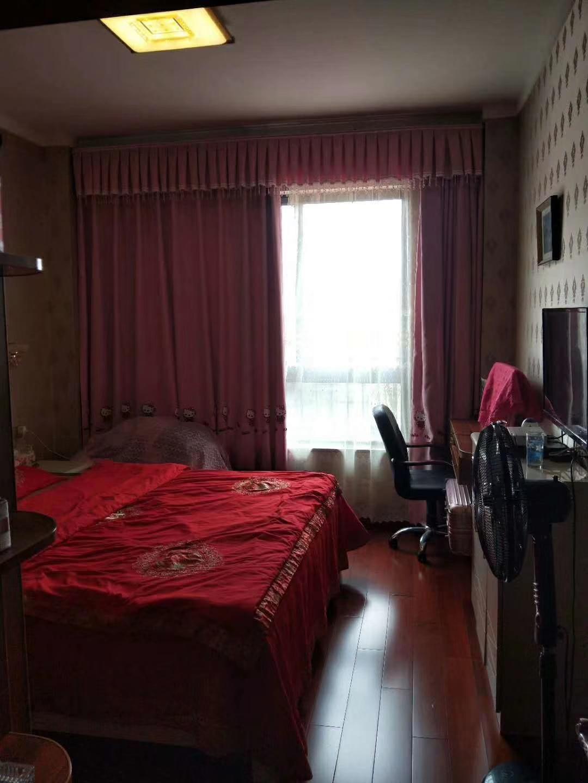 上宾首府2室 2厅 1卫73万元