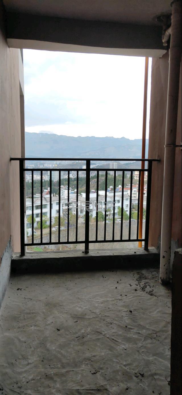 东湖半岛2室 2厅 1卫38万元