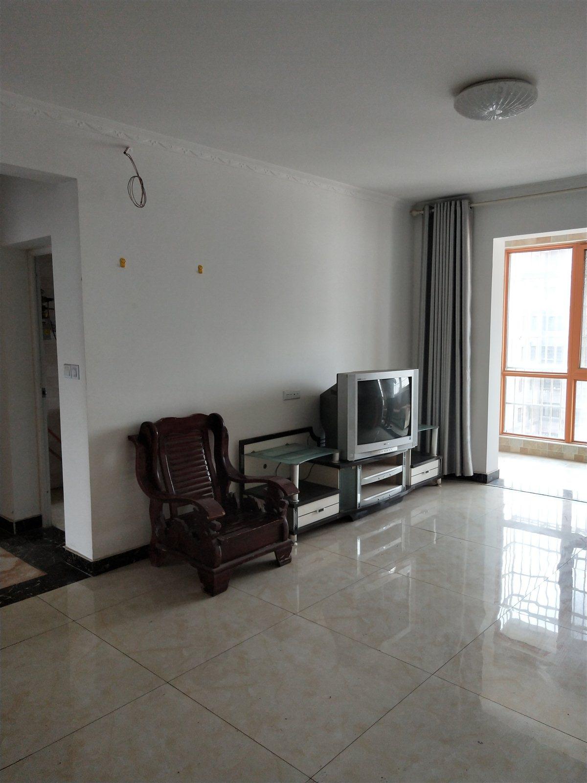 宏基王朝3室 2厅 2卫85万元