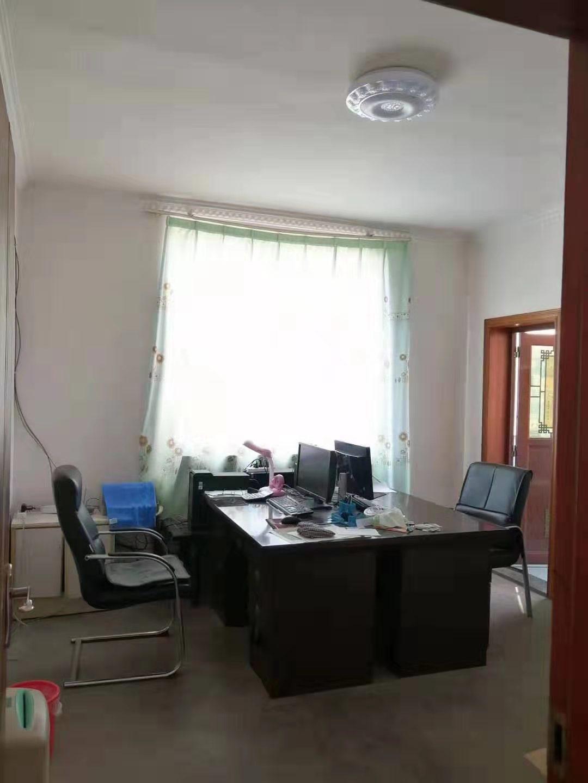聚兴苑小区三室可改四室,4100一平