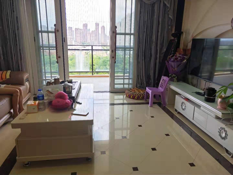 峰景3室 2厅 2卫89万元