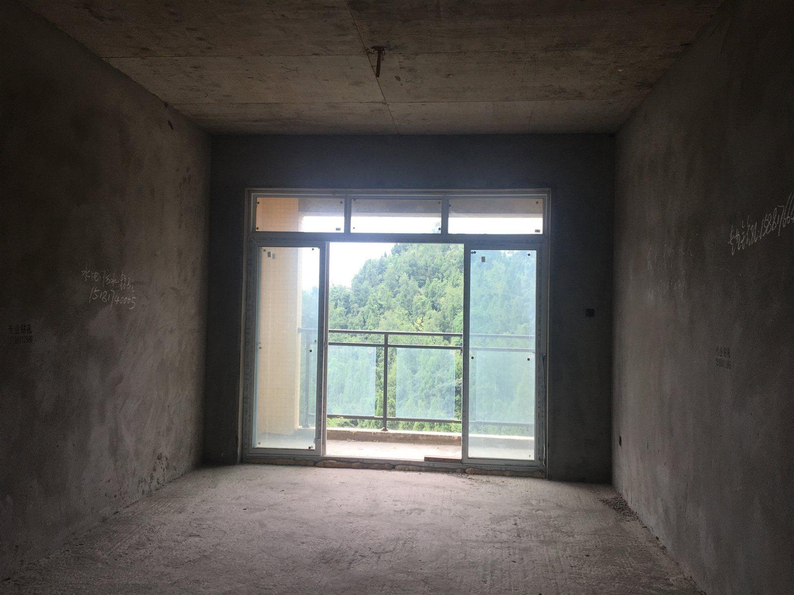 香江公馆3室 2厅 2卫43万元