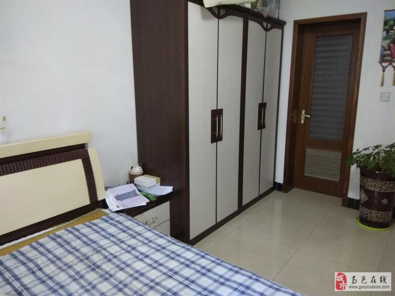 阳光花园3室 带小房车库黄金楼层可贷款
