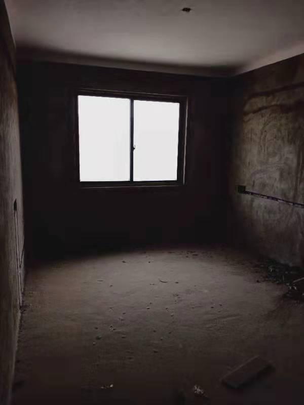 和興中央城3室 2廳 1衛48萬元