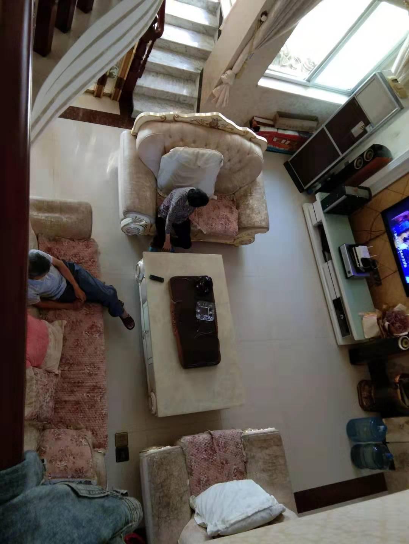 乾隆现代城6室 3厅 4卫复式房,豪华装108万元
