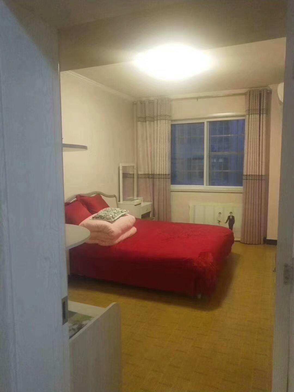 芝泉小区第一排3室 2厅 1卫53万元
