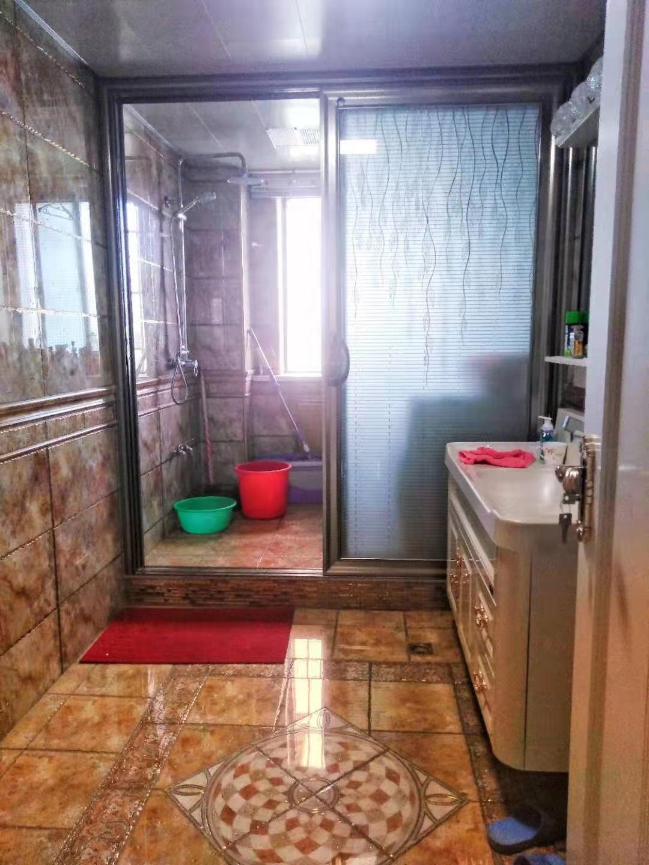 紫轩三期3室 2厅 1卫55万元