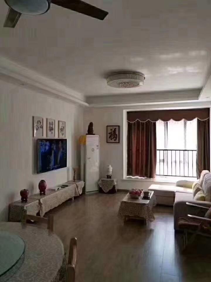 溪西帝景2楼3室 2厅 1卫110万元