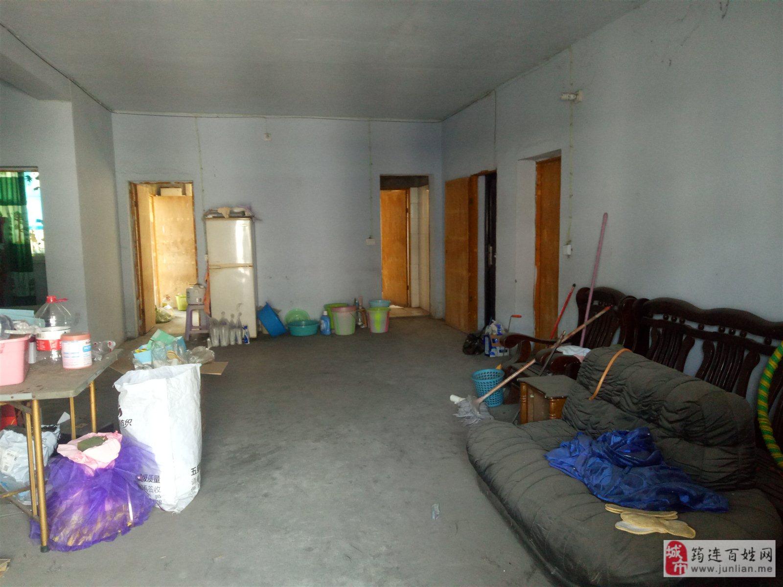 筠山都市4室 2厅 1卫54.8万元