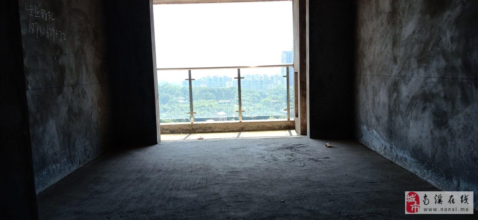 康安江城3室 2厅 2卫76.8万元