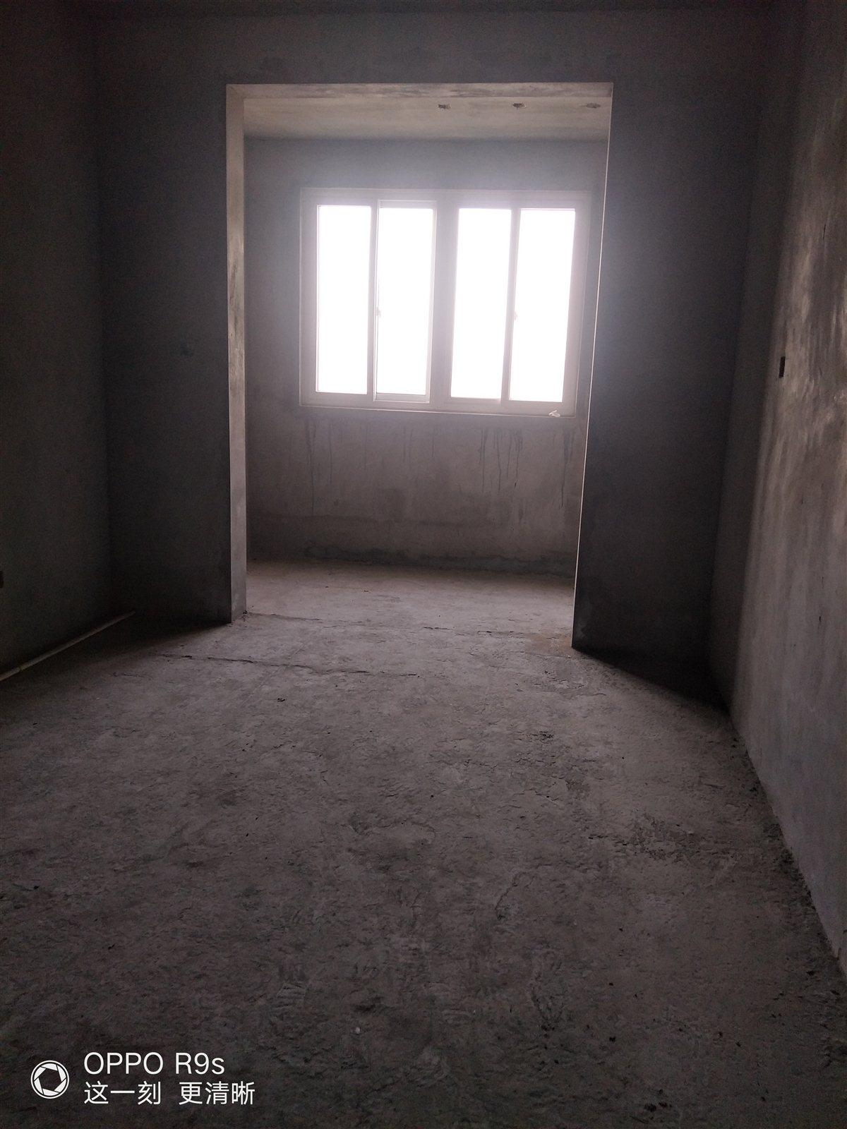 東區電梯房學林小學附近3室 2廳 1衛67萬元
