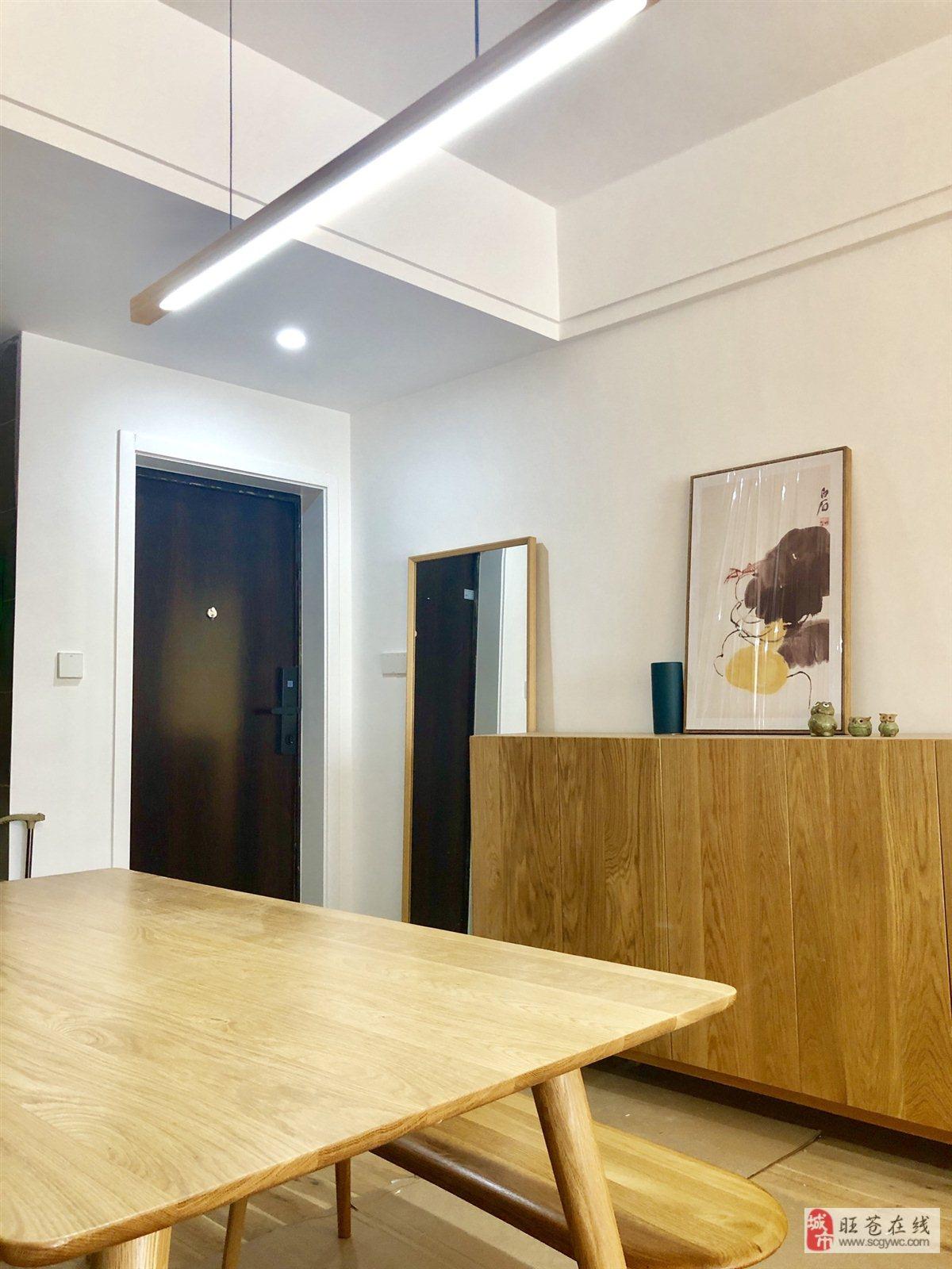 全新装修房东急售红城首府3室 2厅 2卫68万元