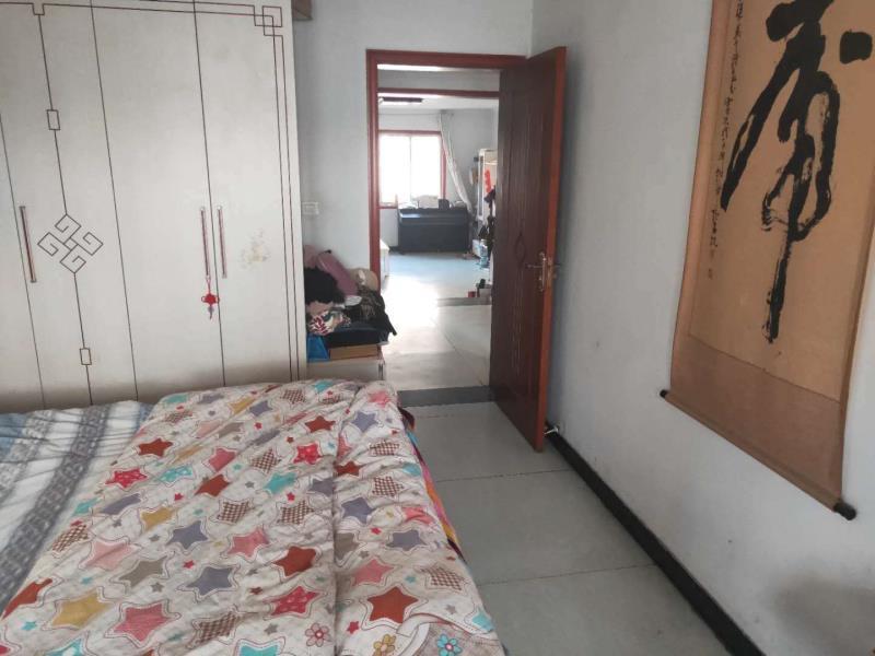 万和花园3室 2厅 2卫70万元