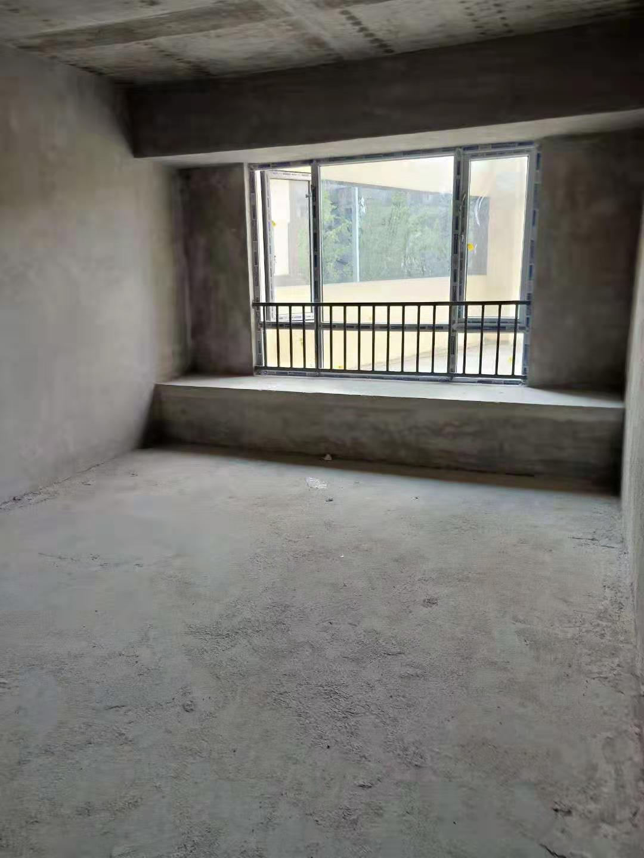 四小旁未来城3室 2厅 2卫41万元