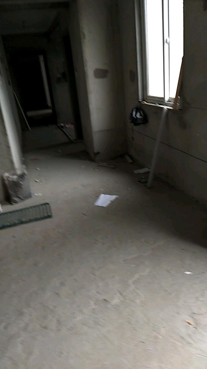 香江花城2室 2厅 2卫66万元