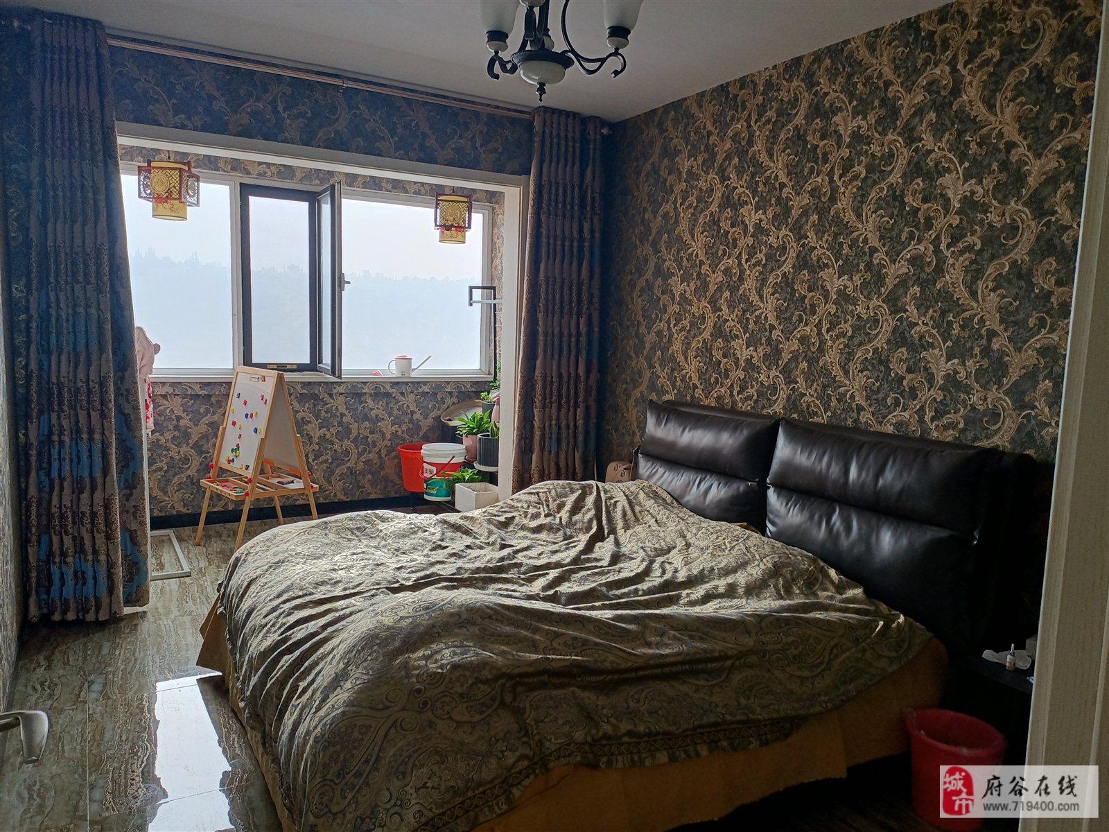 玉涛苑3室 2厅 1卫72万元