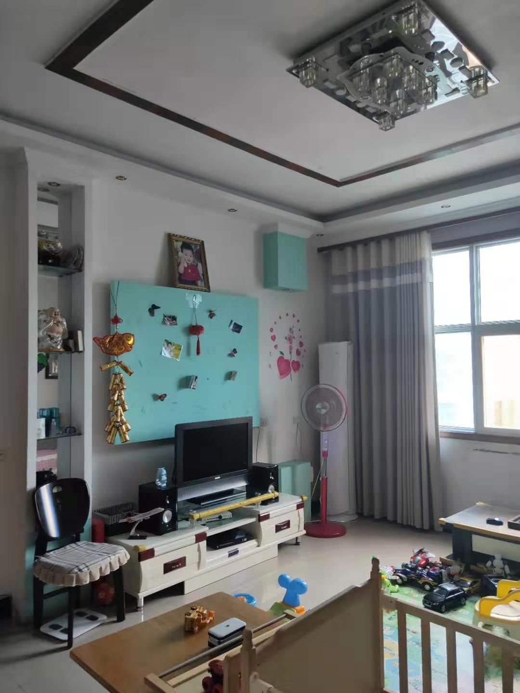 昌平花园4室 2厅 0卫35万元