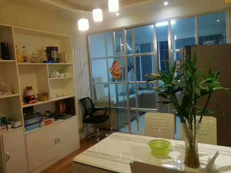 售金龙居业3室 2厅 2卫46.5万元有证