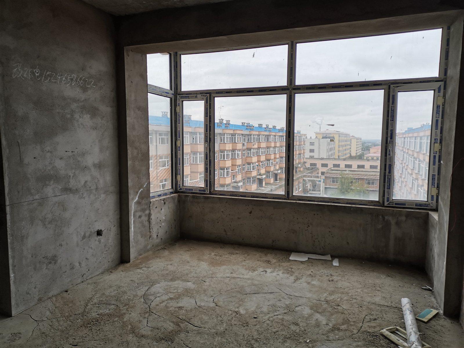 超低价出售西城丽景2室 1厅 1卫8.9万元
